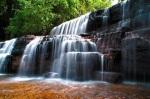 590 waterfall 937677